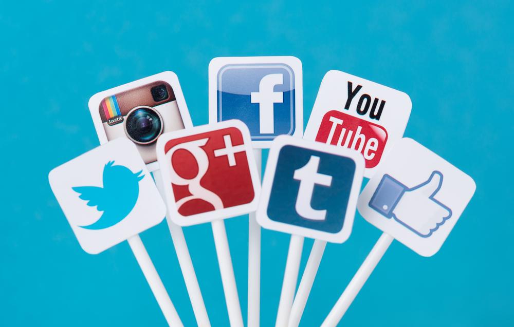 social_media_influencing_customers